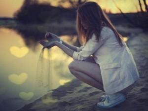 Bạn trẻ - Cuộc sống - Thơ tình: Em là gì trong trái tim anh?