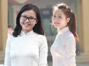Bạn trẻ - Cuộc sống - Nữ sinh đẹp tinh khôi trong ngày khai giảng
