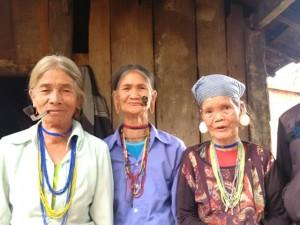 """Tin tức Việt Nam - """"Bắt chồng"""" ở ngôi làng nằm giữa ngã 3 Đông Dương"""