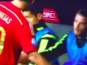 Các giải bóng đá khác - Khó hiểu: Fabregas bắt tay tất cả, trừ De Gea