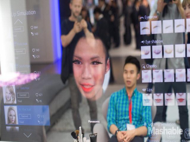 Gương tương tác thực tế ảo như phim khoa học viễn tưởng