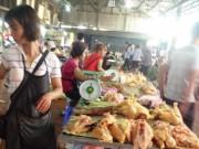 """Thị trường - Tiêu dùng - Sau gà Mỹ, gà Thái Lan lại """"chèn ép"""" gà nội"""