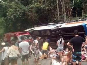 Tin tức trong ngày - Brazil: Tai nạn xe bus thảm khốc, 55 người thương vong