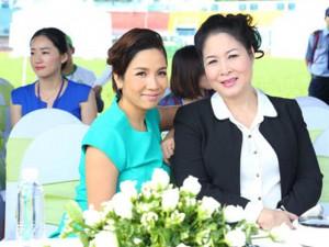 Ca nhạc - MTV - Mỹ Linh diện váy xanh trẻ trung bên Hồng Vân
