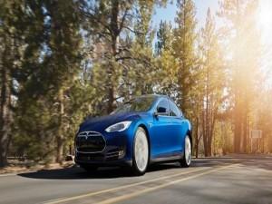 Xe điện Tesla Model 3 sẽ có giá khoảng 35.000 USD và đặt hàng vào năm tới