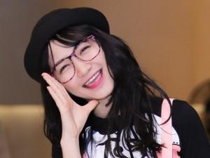 Sao ngoại-sao nội - Hòa Minzy nhí nhảnh dự sự kiện