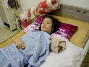 Tin tức trong ngày - Nữ du khách nhớ lại phút giành giật cánh tay với hổ đói