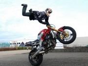 Stunt: Thú chơi mô tô mạo hiểm giới trẻ Việt Nam