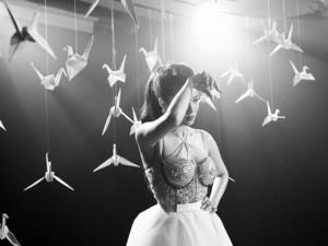 Ca nhạc - MTV - Thủy Top gấp hàng trăm hạc giấy trong MV mới