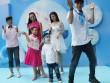 Mẹ con Trương Quỳnh Anh, Thúy Hạnh thích thú nhảy flash mob