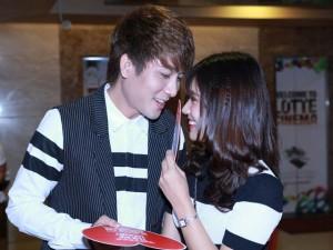 Phim - Hoàng Yến Chibi quấn quýt trai đẹp tại sự kiện