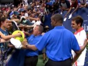 """Clip Đặc Sắc - Federer """"cứu sống"""" cậu bé giữa đám đông ở US Open"""