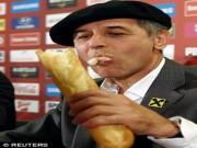 Bóng đá - Hài hước: HLV gặm bánh mỳ ăn mừng đội nhà dự Euro