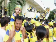 Bóng đá Việt Nam - Chuyện lạ V.League: SLNA có nhà tài trợ, CĐV vẫn rầu rĩ