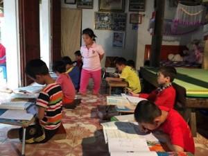 """Clip: Lớp học đặc biệt của cô giáo """"tí hon"""" ở Vĩnh Phúc"""