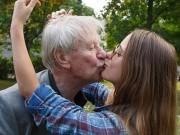 Phi thường - kỳ quặc - 5 cặp đôi đáng tuổi cụ - cháu gây xôn xao cộng đồng mạng