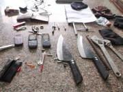 Cảnh giác - Mang dao bầu, kim tiêm đi ăn trộm thì bị bắt