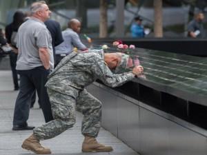Tin tức trong ngày - Ảnh: Người Mỹ tưởng niệm các nạn nhân vụ khủng bố 11.9
