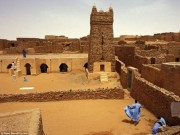 """Du lịch - Bí ẩn """"kho báu"""" sách nằm giữa sa mạc Sahara"""