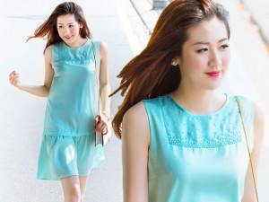 Váy - Đầm - Tú Anh khoe làn da trắng ngần giữa phố Hà Nội