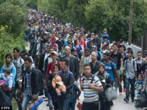 Tin tức trong ngày - Bao nhiêu chiến binh IS trà trộn vào dòng người tị nạn?