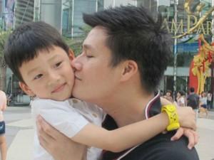 Ngôi sao điện ảnh - Tan chảy trước khoảnh khắc ngọt ngào của bố con sao Việt