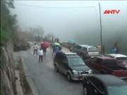 Video An ninh - Hà Tĩnh: Mưa lớn gây sạt lở, QL8A bị chia cắt nhiều giờ