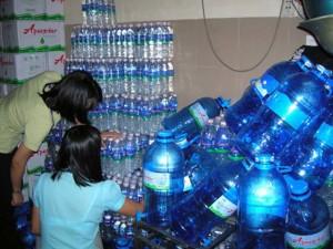 Tin tức trong ngày - Kinh hoàng công nghệ nước đóng bình