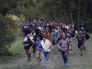 Di dân hồ hởi vì Hungary mở lại biên giới với Serbia