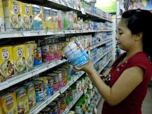 Thị trường - Tiêu dùng - Bộ Tài chính lên tiếng vụ giá sữa không chịu giảm