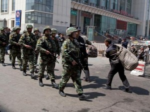 Tin tức trong ngày - Tấn công bằng dao ở Tân Cương, 5 cảnh sát TQ thiệt mạng