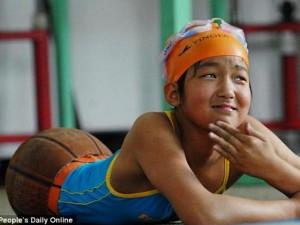 Bạn trẻ - Cuộc sống - Cô bé không chân là cảm hứng cho hàng nghìn người tàn tật
