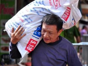 Vụ sập nhà cổ ở HN: Người dân được vào nhà lấy đồ đạc