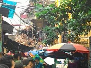 Vụ sập nhà cổ 2 người chết: Ai chịu trách nhiệm?