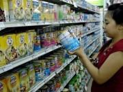 Thị trường - Tiêu dùng - Bộ Tài chính nói gì về giá sữa trong nước cao?
