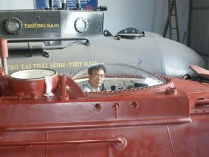 Tin tức Việt Nam - Ngắm tàu ngầm gắn máy tính dẫn đường của doanh nhân Thái Bình