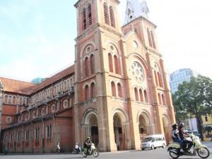 Tin tức trong ngày - Bi hài trộm đột nhập Nhà thờ Đức Bà giặt đồ, nấu ăn