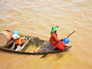 Tin tức trong ngày - Thương tâm người Việt sống lay lắt trên Biển Hồ, Campuchia