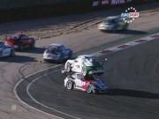 Thể thao - Hy hữu vụ tai nạn hai xe Porsche đè chồng lên nhau