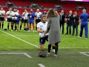 """Thể thao - SAO rugby cầu hôn bạn gái tại """"Thánh địa"""" Wembley"""
