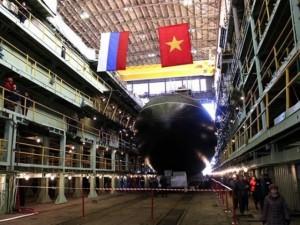 Tin tức trong ngày - Nga hạ thuỷ tàu ngầm Kilo thứ 6 cho Việt Nam