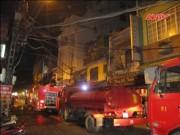 Video An ninh - HN: Cháy lớn khách sạn ở phố cổ, khách Tây hoảng loạn