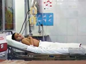 Tin tức trong ngày - Cứu bé trai thoát khỏi cảnh cắt 2 chân vì bị lọt hố tro