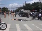 """Camera hành trình - Vượt giao lộ """"tử thần"""", nữ sinh chết dưới bánh xe bồn"""