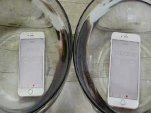 """Điện thoại - Video: iPhone 6S và 6S Plus vẫn """"sống"""" khi ngâm trong nước 1 giờ"""