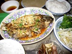 Ẩm thực - Độc đáo cá lóc đồng dồn thịt nướng lá chuối ở miền Tây