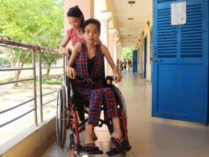 Bạn trẻ - Cuộc sống - Nữ sinh đất võ ngồi xe lăn vào đại học