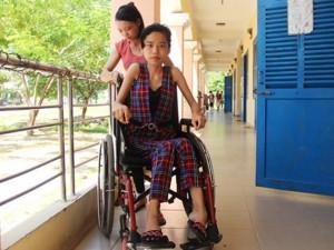 Giáo dục - du học - Nữ sinh đất võ ngồi xe lăn vào đại học