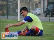 """Bóng đá - Công Vinh, Văn Quyết """"bở hơi tai"""" tập đối kháng"""