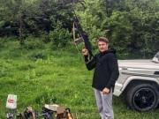 Thế giới - Thiếu gia Nga dùng súng trường khoe đẳng cấp xa xỉ